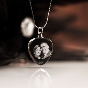 2d engraved photo heart pendant