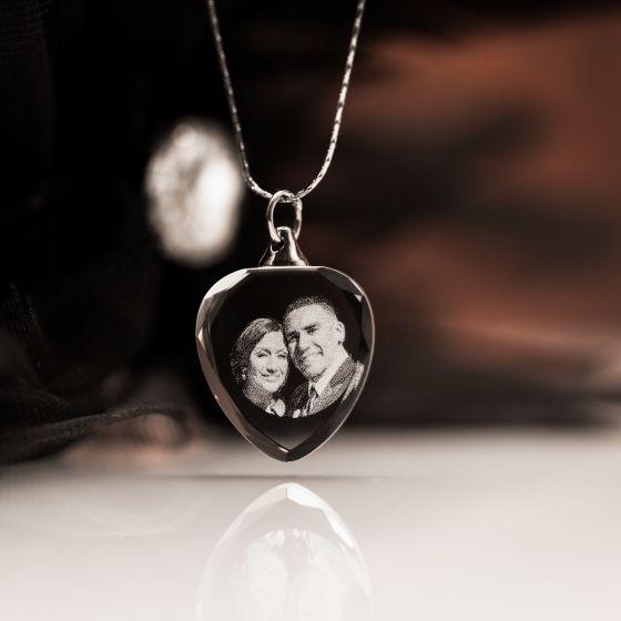 2d engraved photo heart pendant